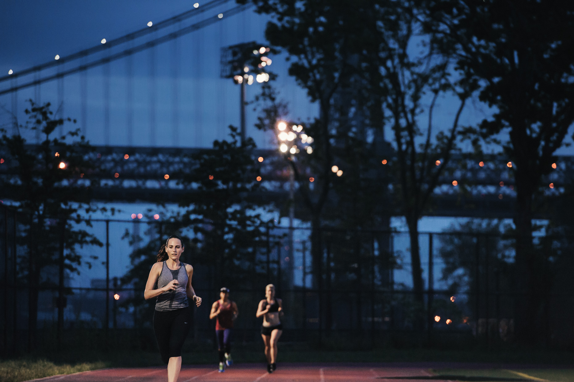Running_Black_Roses_New_York_City_May_2013_c_Brecheis-0531-V02